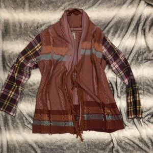 Tunic sweater, plaid sleeves, fringe and patterns